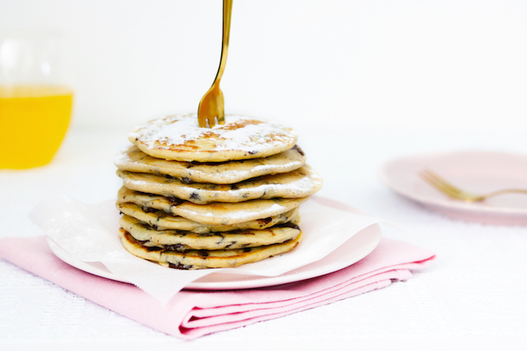 CHOCOLATE CHIP PANCAKES RECEPT - CHICKSLOVEFOOD