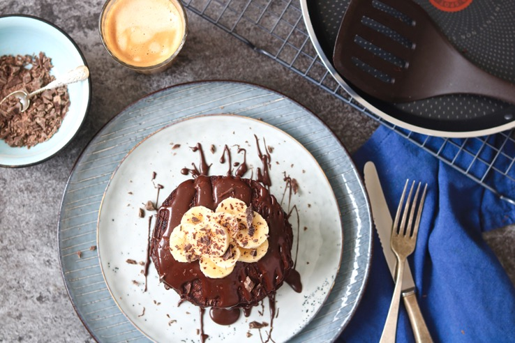 healthy-brownie-pancakes1-chickslovefood
