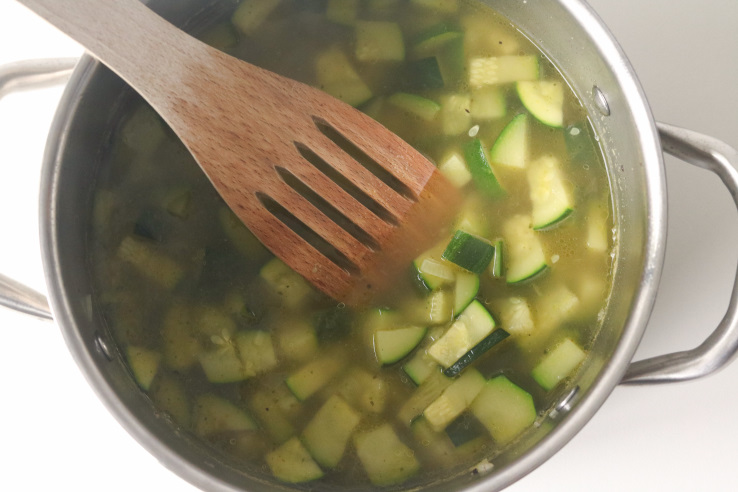 courgette-koken-in-bouillon-chickslovefood